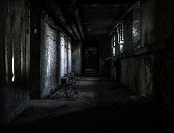 dark-gallery-4